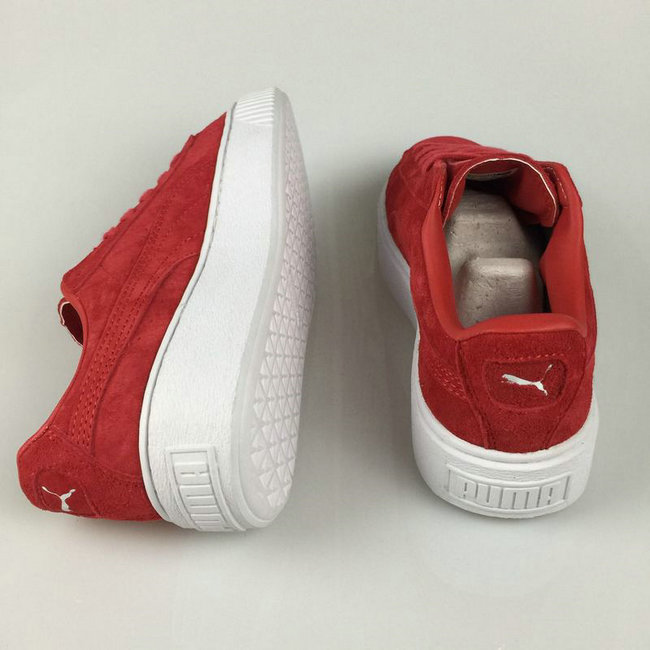 puma rouge noeud